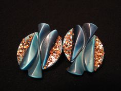 Vintage Teal Blue thermoset Lucite and Gold Glitter Wave by ditbge, $5.25
