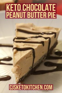 This weeks recipe is Keto Low Carb Chocolate Peanut Butter pie. But I can honestly say that you will not be able to tell the difference from our recipe and a standard chocolate peanut butter pie. Peanut Butter Filling, Low Carb Peanut Butter, Butter Pie, Chocolate Peanut Butter, Low Carb Desserts, Dessert Recipes, Dinner Recipes, Sugar Free Chocolate Syrup, Butter