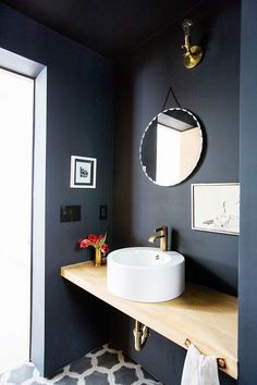 """10 Bathroom Paint Colors Interior Designers Swear By. best paint color for small bathroom with no windows. Put down the swatches—the pros call these the """"best bathroom paint colors. Small Bathroom Paint Colors, Bathroom Design Small, Bathroom Interior Design, Bathroom Designs, Bathroom Ideas, Bathroom Organization, Small Bathrooms, Colors For Small Bathroom, Bathroom Storage"""