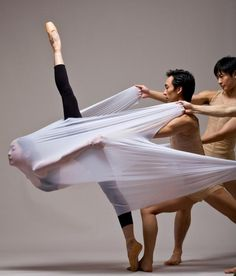 So beautiful and ethereal. It's amazing the art a dancing body can create.