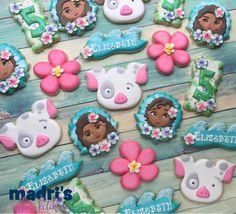 "436 Likes, 10 Comments - Madri Mahtani (@madriscookiekitchen) on Instagram: ""Moana birthday cookies #madriscookiekitchen #decoratedcookies #birthdayfavor"""