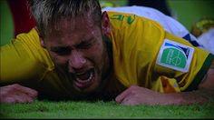 Neymar sofre fratura na vértebra, está fora da Copa, mas segue com o grupo | globoesporte.com