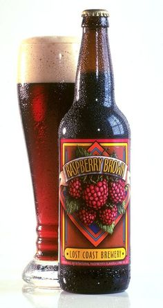 Cerveja Raspberry Brown, estilo American Brown Ale, produzida por Lost Coast Brewery & Cafe, Estados Unidos. 5% ABV de álcool.
