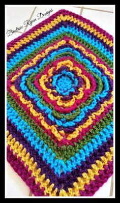 Ravelry: Rainbow Burst Reversible Granny Square pattern by Beatrice Ryan Designs Grannies Crochet, Crochet Triangle, Crochet Circles, Crochet Blocks, Afghan Crochet Patterns, Crochet Squares, Crochet Motif, Granny Squares, Free Crochet