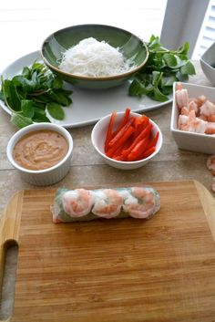 How to make Vietnamese Spring Rolls - The Fresh Find Vietnamese Spring Rolls, Vietnamese Food, Vietnamese Recipes, Filipino Recipes, Easy Peanut Sauce, Homemade Peanut Sauce, Asian Appetizers, Healthy Appetizers, Fish Recipes