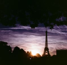 ITAP of the Eiffel tower at sunset on 35mm film http://ift.tt/2i8vdyH