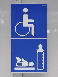https://flic.kr/p/4aVho8 | Flughafen München Signage | Design: Otl Aicher Erco pictogramme