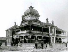 The Peninsula Hotel 1957 in Maylands,Western Australia in the railway station on Railway Parade. Lost Hotel, Peninsula Hotel, Perth Western Australia, Amazing Pics, Old Photos, Swan, Taj Mahal, Photographs, Hotels