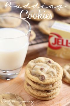 Pudding Cookies: the best and softest cookies ever! new favorite, go to recipe for cookies! And she has tons of other pudding cookie recipes to try too like white chocolate craisin, peanut butter banana, coconut lime. Just Desserts, Delicious Desserts, Yummy Treats, Sweet Treats, Yummy Food, Dessert Healthy, Cookie Recipes, Dessert Recipes, Party Recipes
