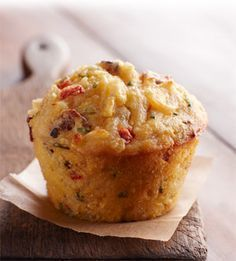 Hashbrown Bacon Corn Cupcakes: reduce size, this is for 72 cupcakes Cupcake Cakes, Comida Picnic, Corn Cupcakes, Cap Cake, Lava Cakes, Snacks Für Party, Recipe Details, Mini Foods, Snacks