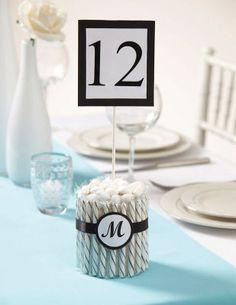 Numéro de table en forme de bâtonnet de bonbon Wilton