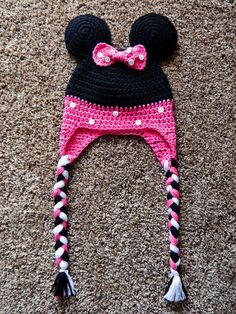 Minnie Mouse Crochet Hat http://crochetdlane.blogspot.com/2014/08/a-minnie-mouse-hat-for-sweet-little-girl.html