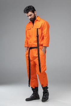 Orange one piece pantsuit, matching couple look, futuristic mechanic / pilot costume, men coverall jumpsuit, women overall Matching Couple Outfits, Matching Couples, Mens Coveralls, Punk Rock Outfits, Emo Outfits, Pop Punk Fashion, Orange One Piece, Jumper Outfit, Batman Outfits