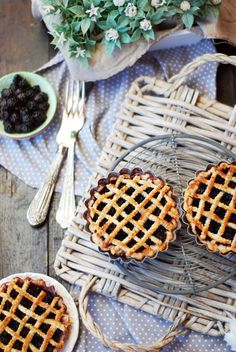 Arleva's Cake: Mini pie de moras