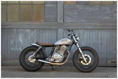 1980 Suzuki GN400 - Holiday Customs