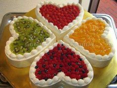 Image about sweet in Beautiful & Delicious by Barbara Pretty Cakes, Beautiful Cakes, Amazing Cakes, Heart Shaped Cakes, Heart Cakes, Brze Torte, Delicious Desserts, Dessert Recipes, Valentines Day Cakes