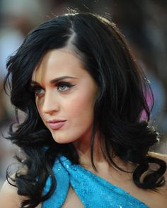 Loose curls with a side part-- Love Katy!