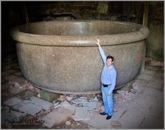 RUSSIA - This gigantic granite tub is situated at one of the deserted palaces in Pushkin city (Tsarskoye Selo). Its size amazes and makes it possible to call it the king of all the tubs. Unexplained Mysteries, Ancient Mysteries, Ancient Ruins, Ancient Artifacts, Ancient Egypt, Ancient History, History Images, Mystery Of History, Ancient Architecture
