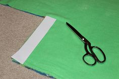 How to Make a Fleece Knot Blanket - Thriving Home - cutting corners on knot blanket - Fleece Knot Blanket, Flannel Blanket, No Sew Blankets, Knitted Blankets, Baby Mattress, Blanket Ladder, Tie Knots, Sewing, How To Make