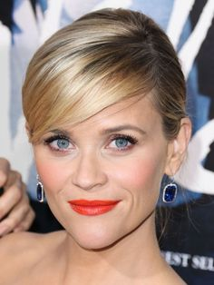 Reese Witherspoon - makeup and hair perfection!!