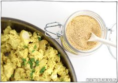 Tofu Scramble Spice Mix - Tastes Like Eggs! Homemade Tofu, Homemade Spices, Seasoning Mixes, Warm Salad Recipes, Vegan Recipes, Recipes Dinner, Curry Spices, Tofu Scramble, Vegane Rezepte