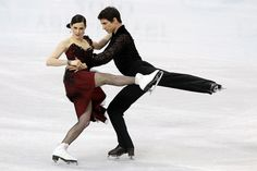 her hips 90° to line of travel,  hip-line @radius line and blade/hipweight/shoulderline/head aigned...Tessa and Scott ... Ice Dancing