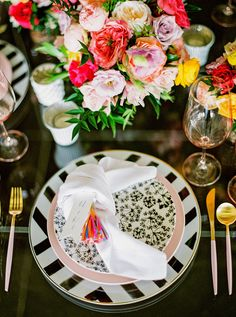 La Tavola Fine Linen Rental: Dupionique Iridescence White Napkins | Photography: Elyse Hall Photography, Venue: Flourish AZ, Event Planning: Mandy Maire Creative, Florals: Bloom and Blueprint, Paper Goods: Maude Press, Rentals: Prim Rentals and Bright Event Rentals, Tabletop Rentals: Casa de Perrin, Calligraphy: They Call Me Spindles