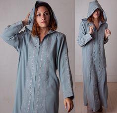 Vintage 60s Arabian Long Hooded Caftan / Sage Green Floor Length Djellaba Cloak / Zip Front Huge Hood Unique Rare