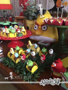 Olha como ficou linda esta Festa Angry Birds. Decoração Ateliê da Ju. Lindas ideias e muita inspiração! Bjs, Fabiola Teles. Mais ideias l...
