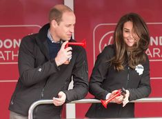Catherine, Duchess of Cambridge and Prince William, Duke of Cambridge at the blue start of the 2017 Virgin Money London Marathon on April 2017 in London, England. (Photo by Mark Cuthbert/UK Press via Getty Images)
