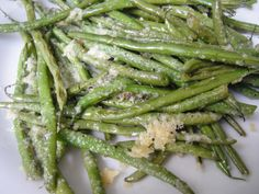 Parmesan-Roasted Green Beans from Florence Tyler's Family Meal cookbook, 4 of 5 Stars 41 Reviews @ Food Network.  (Photo from What's 4 Dinner Tonite)