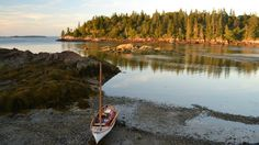 This footage was shot on a recent trip along the Maine Island Trail. During a four day sail we circumnavigated the Fox Islands (Vinalhaven) including North Haven…