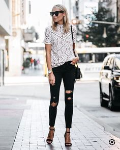 "7,631 vind-ik-leuks, 28 reacties - LIKEtoKNOW.it (@liketoknow.it) op Instagram: '""Pairing a feminine lace top with ripped skinny jeans is my favorite go-to look. There's just…'"