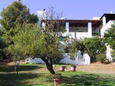 Villa im Smeraldastil- Von einem der berühmten Costa-Smeralda Architekten konzipiert, das bis zum letzten Winkel durch seine stilvolle Einrichtung und ästhetische Ausstrahlung besticht.   #Sardinien #Geremea