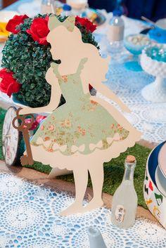 "Photo 4 of 40: Vintage Alice in Wonderland / Birthday ""Vintage Alice in Wonderland""   Catch My Party"