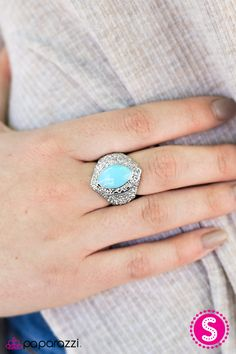 Summer Vibes Blue  This blue!  OH MY!! Click through to see this and so many more $5 accessories!