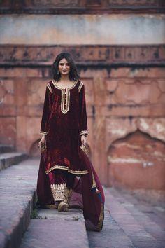 Velvet Suit Design, Velvet Dress Designs, Velvet Pakistani Dress, Pakistani Dresses Casual, Indian Dresses, Fancy Dress Design, Stylish Dress Designs, Embroidery Suits, Embroidery Fashion