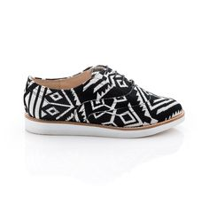 love these Aztec Oxfords!
