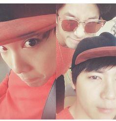 HongKi with JaeJin photobomb