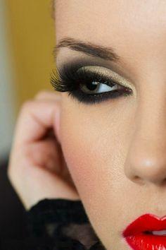 Maquillage de soirée pour les yeux verts
