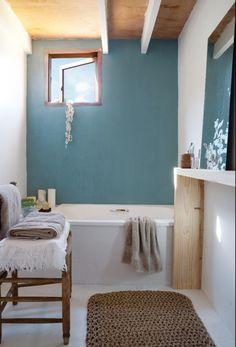 bagno azzurro pastello