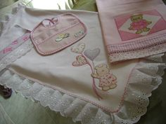 https://flic.kr/p/6FTYQq | kit de bebe | Mamta babador cuero toalha de mÃO