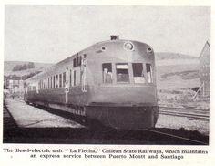 """Chile, Santiago. Tren """"La Flecha"""" servicio express que unía las ciudades de Santiago y Puerto Montt. Flecha del Sur es el nombre con el que fueron bautizados una serie de automotores diésel (serie AM - 100) que circularon en la red sur de ferrocarriles de Chile en la década de 1940. Su viaje inaugural, recorriendo la distancia entre Santiago de Chile y la ciudad de Temuco, se realizó en 1940. Más adelante el servicio se amplió para unir la capital con Puerto Montt."""