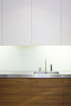 4 Fun Clever Ideas: Counter Tops Kitchen Tips counter tops island white cabinets.Cheap Counter Tops Bar Stools counter tops with white cabinets paint colors. Cheap Countertops, Bathroom Countertops, Stone Countertops, Backsplash, Laminate Countertops, White Kitchen Cabinets, Wood Cabinets, Kitchen White, Kitchen Wood
