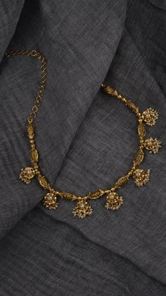Moti kundan Royal jewellary – bestlooks Source by namramiski Jewelry Gold Jewelry Simple, Light Weight Gold Jewellery, Gold Jewellery Design, Indian Gold Jewellery, 1 Gram Gold Jewellery, Indian Jewelry Sets, Pakistani Jewelry, Indian Accessories, India Jewelry