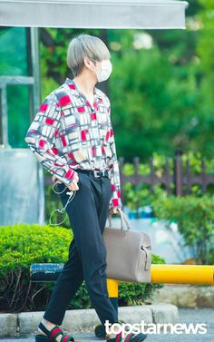 #V On the way to KBS Music bank ▼▲ #Taehyung | #Style | #MusicBank | #Hq | #Photo | #BTS | #Pic | #DNA  // ☆ミ@paawnny