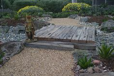 Xeriscape: dry Australian garden by decor_pebble Dry Riverbed Landscaping, Backyard Landscaping, Railroad Ties Landscaping, Landscaping Ideas, Landscape Design, Garden Design, Gravel Garden, Pea Gravel, Shaded Garden