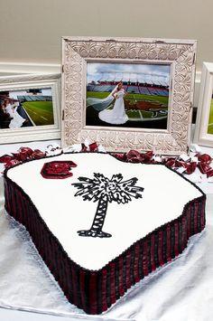 so cute! groom's cake :)