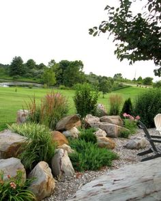 Gorgeous 62 Fabulous Front Yard Rock Garden Ideas https://homeylife.com/62-fabulous-front-yard-rock-garden-ideas/