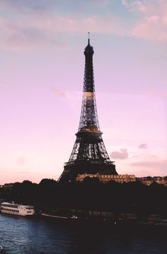 Paris viewed from the Seine River | Skirt the Ceiling | http://skirttheceiling.com